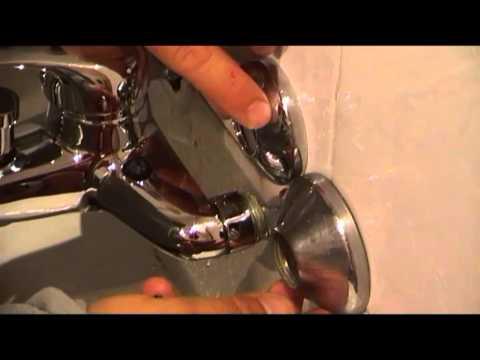 Cambiar el grifo de la bañera