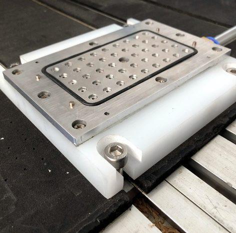 La mesa de vacío DIY que mejora el fresado de PCB