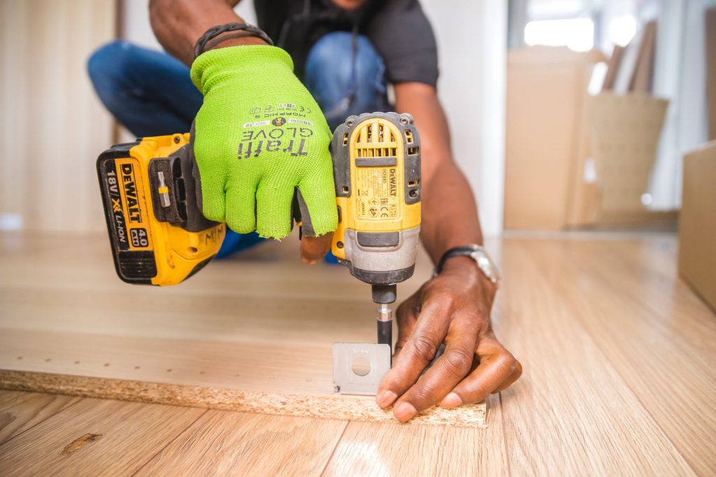 ¡24 Cosas increíbles! que puedes hacer con madera vieja.