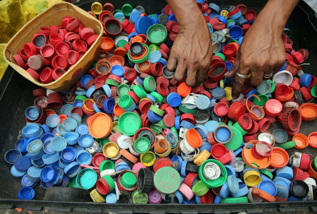 ¿Como derretir tapas de plástico?