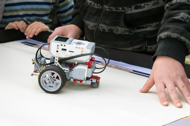 Aprende hacer un carro robot controlado por gestos
